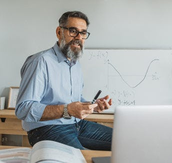 كيف تصبح أكثر قدرة على الإقناع أثناء العمل عبر الإنترنت